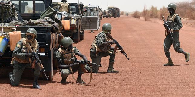 Mali: huit soldats maliens tués dans «une attaque menée par des terroristes», dans le centre du pays (source militaire)
