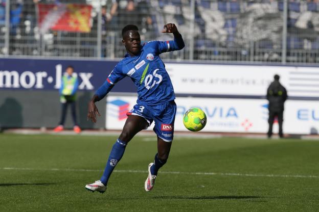 Strasbourg : Fin de saison pour Abdallah Ndour gravement blessé à l'entraînement (Officiel)