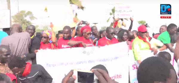 Des syndicats d'enseignants à la marche de la presse
