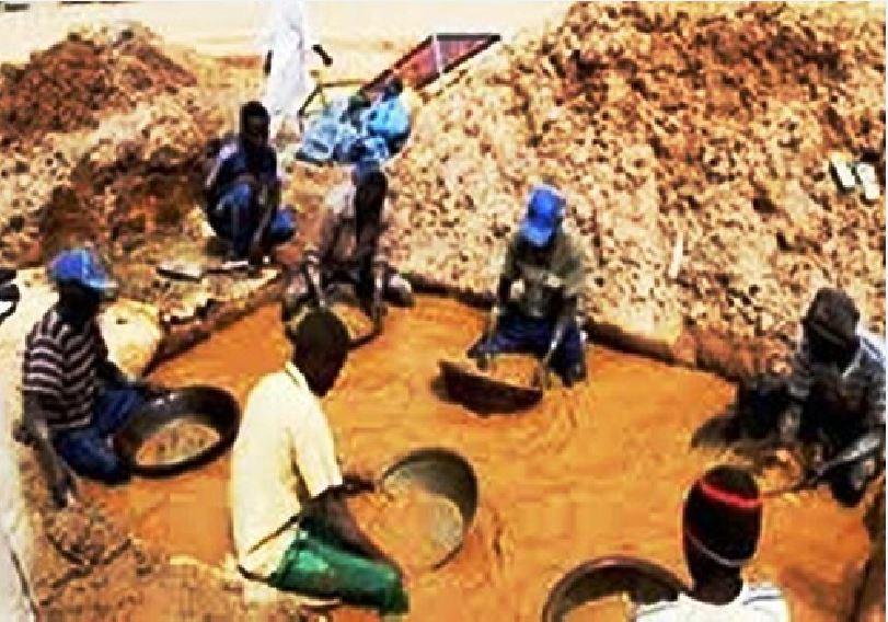 """Kédougou/Les jeunes orpailleurs de Sambrabougou avertissent l'Etat du Sénégal : """" Si d'ici Mardi on ne nous restitue pas nos terres, il y aura mort d'hommes """""""