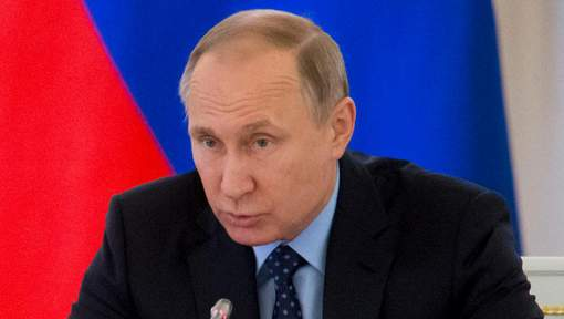 """Poutine appelle Macron à """"surmonter la méfiance mutuelle"""""""