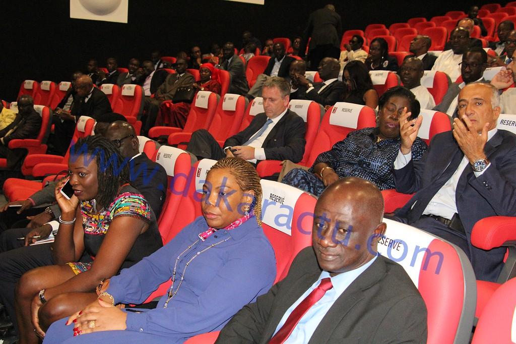Le premier réseau de salles de cinéma et de spectacles ouvre ses portes en Afrique : CANAL OLYMPIA TERANGA s'installe à Dakar.