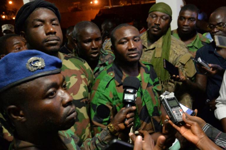 Les mutins qui avaient ébranlé la Côte d'Ivoire rentrent dans le rang