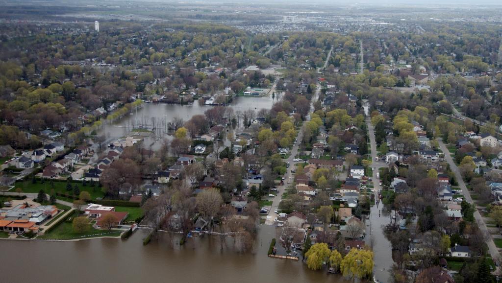 Inondations au Canada : le Québec les pieds dans l'eau