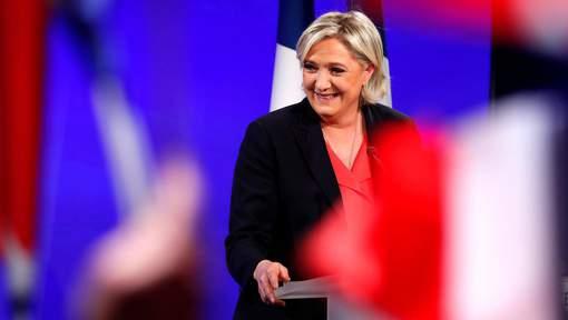 Marine Le Pen redevient présidente du FN