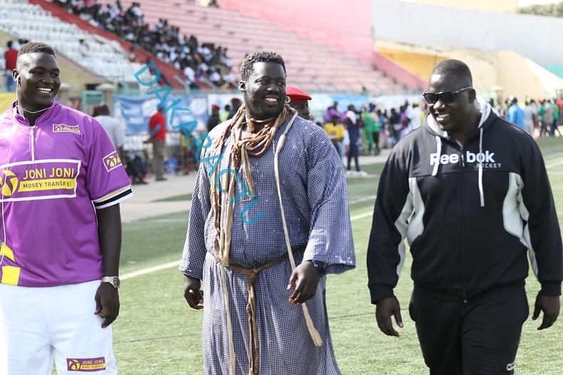 Lutte : Les images du combat Gris 2/Pakala au Stade Demba Diop
