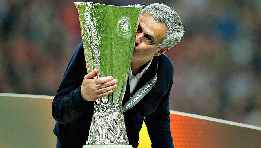 "Mourinho: ""Les poètes ne gagnent pas beaucoup de titres"""