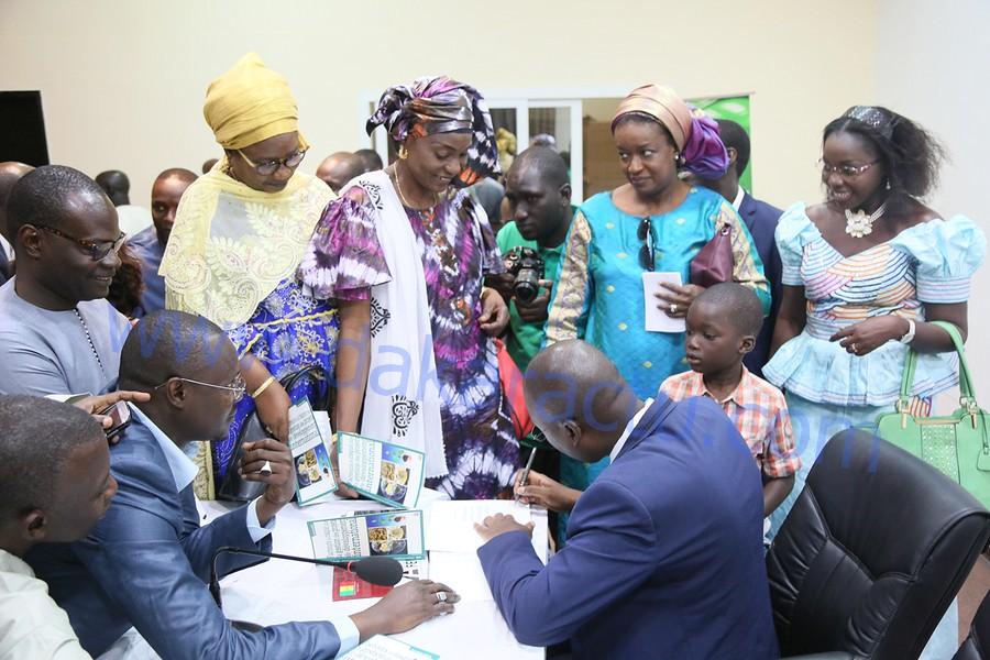 Les images de la  Cérémonie de lancement et de dédicace du livre du Dr Papa Modou Ndiaye, Directeur administrateur Général du Fond d'Entretien Routier