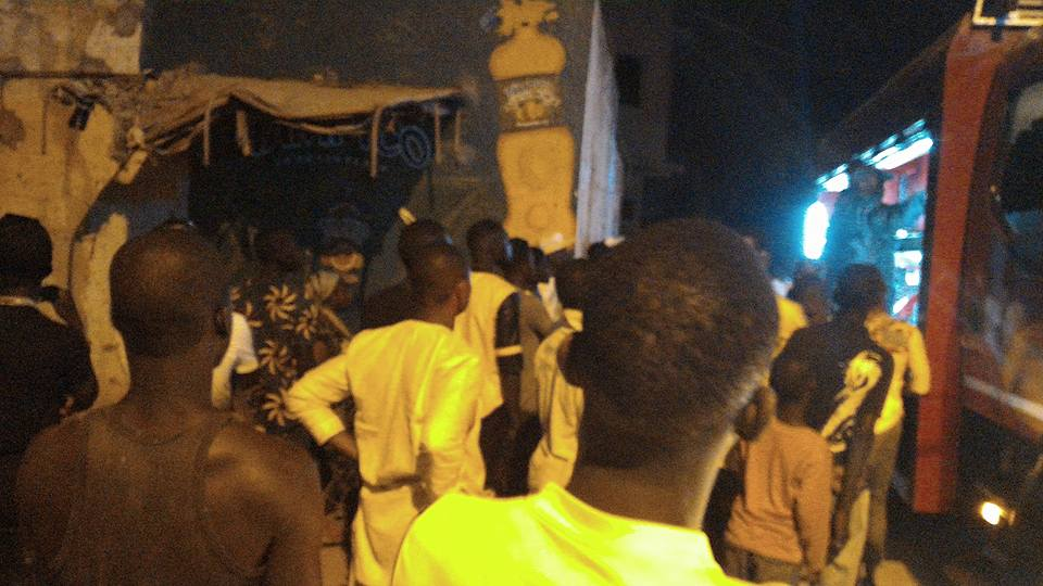 GRAND-YOFF : Une maison à proximité de la maternité prend feu
