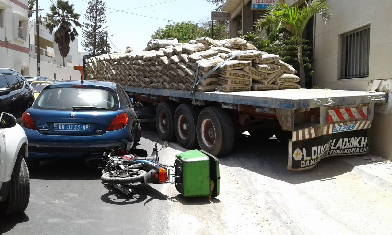 Accident : Un camion sans frein crée un carambolage à Mermoz