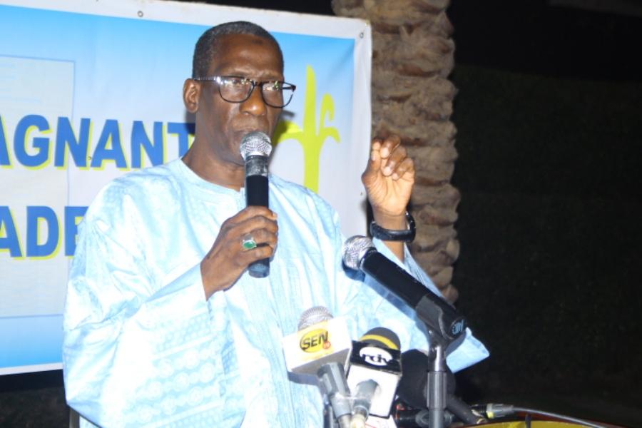 Mamadou Diop Decroix : « Certaines têtes de liste ne peuvent payer la location de leur maison, c'est le pouvoir qui les a financées! »