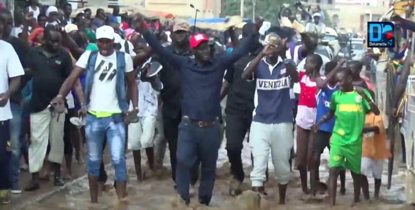 Malick Gakou dans la boue des Parcelles Assainies : Un comité le tourne en dérision et lui rappelle son passé