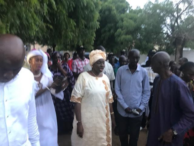 """Campagne électorale à Kaolack : Mimi Touré adopte la stratégie du """"dokhantou"""""""