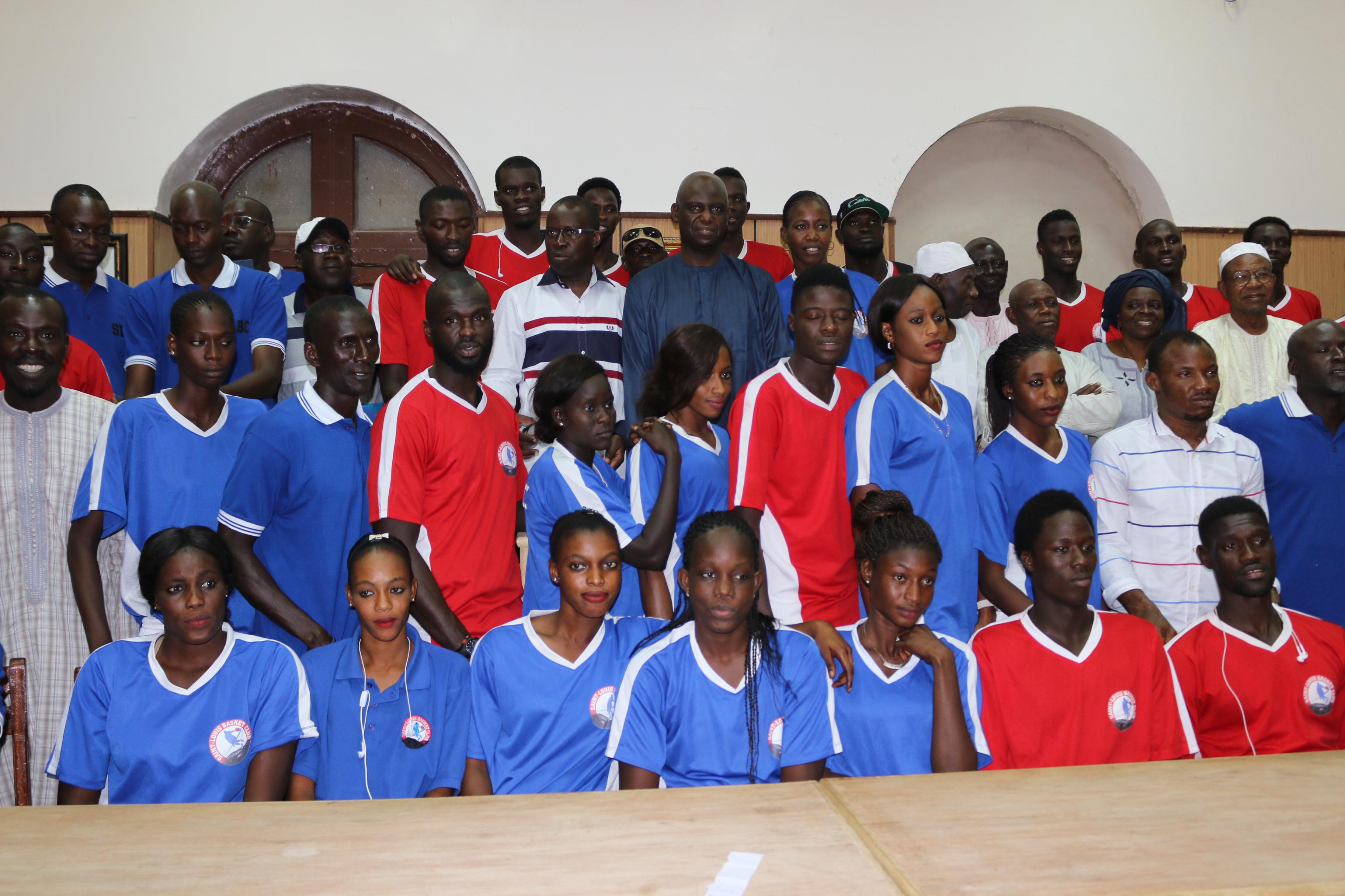 Finale du championnat Play Off de Basket du Sénégal : Les équipes de SLBC fille et garçon reçues par le gouverneur de la région et le maire de la commune de Saint-Louis