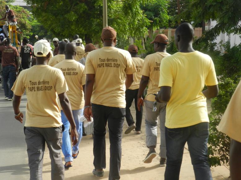 Législatives 2017 : Les antiquaires de l'Aéroport sont en marron-beige