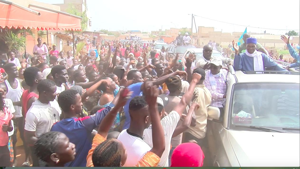CARAVANE : Jaxaay reconnaissant à Abdoulaye Wade