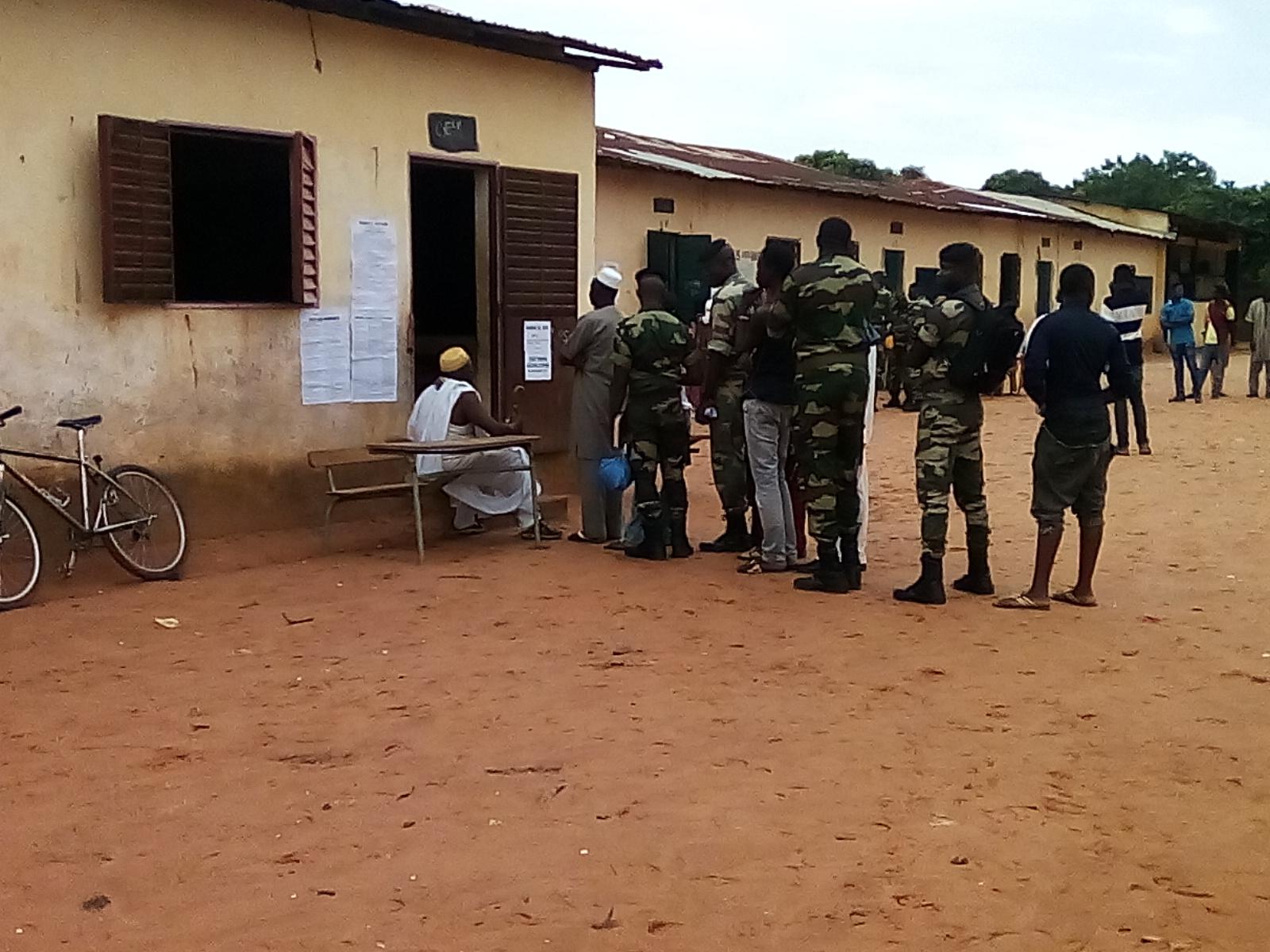 ZIGUINCHOR : Les militaires se mobilisent pour voter