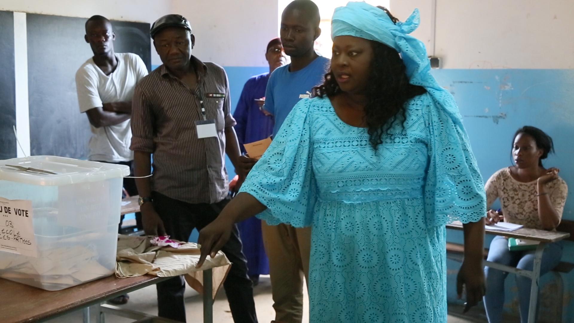 Duel des têtes de liste à Dalifort : Awa Niang devance Idrissa Diallo de 400 voix