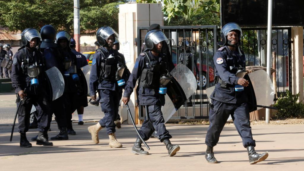 GAMBIE : Un audit met au jour plus de 3000 fonctionnaires fantômes