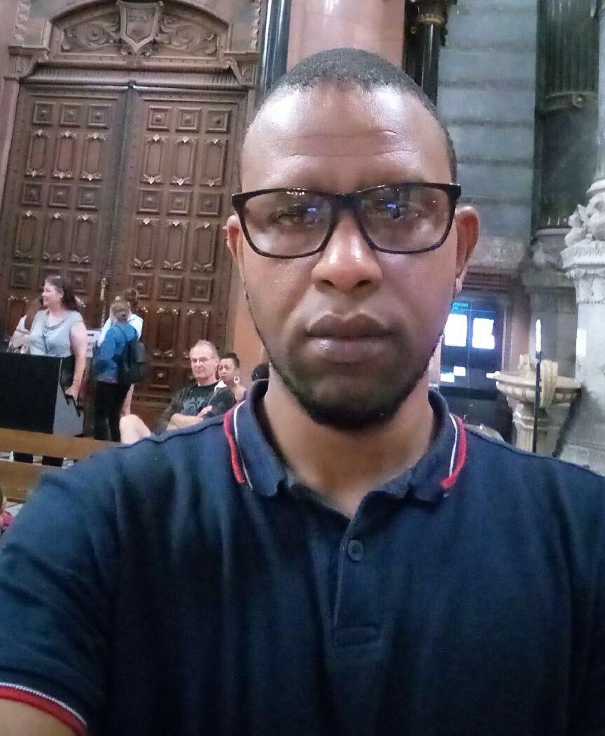 """Affaire Kémi Séba / La diaspora s'en mêle :  """" Nous avons en face un président complexé """" (Aguibou Diallo, politologue)"""