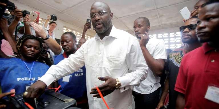 Les résultats partiels donnent George Weah en tête du premier tour de la présidentielle au Liberia