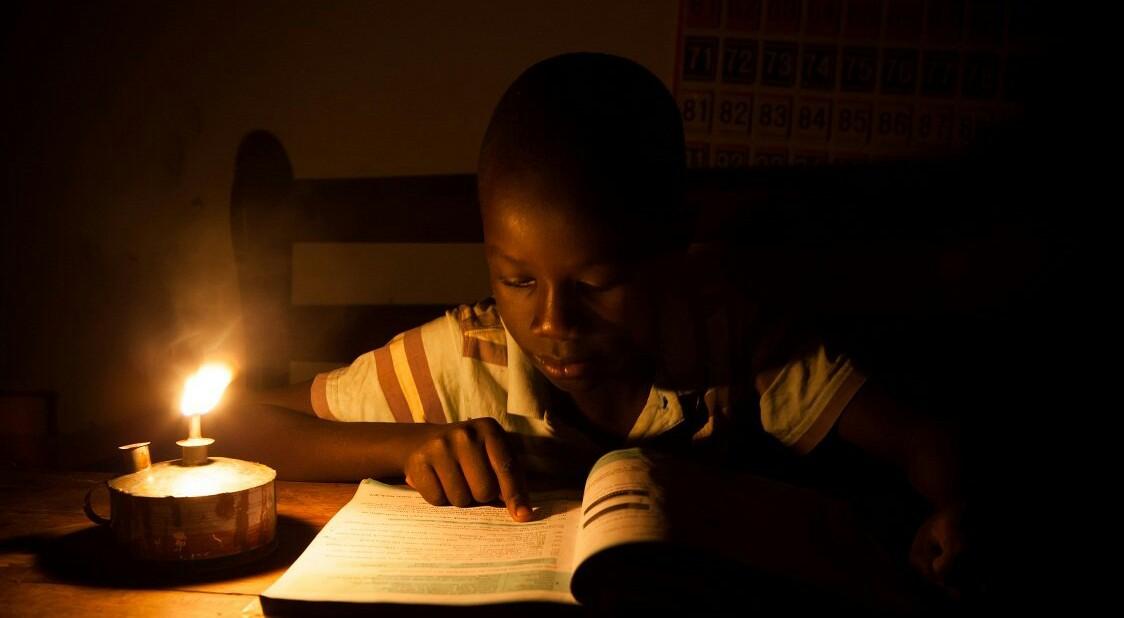Kaolack : Les élèves étudient dans le noir à cause des coupures d'électricité