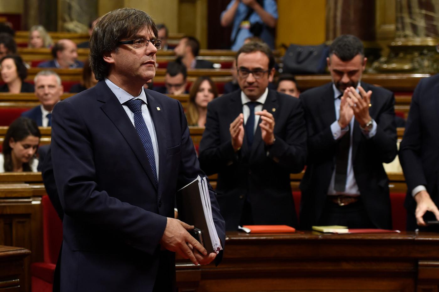 Le parlement de Catalogne déclare l'indépendance