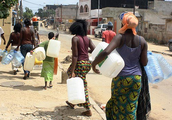 """Keur Mbaye Fall : Des quartiers confrontés depuis 4 jours au """"calvaire"""" d'une pénurie d'eau (habitant)"""