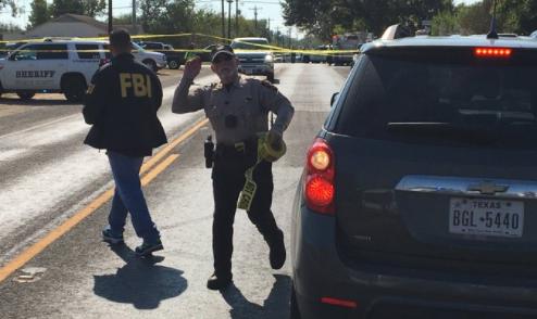 Au moins 27 morts et 20 blessés dans une fusillade dans une église au Texas
