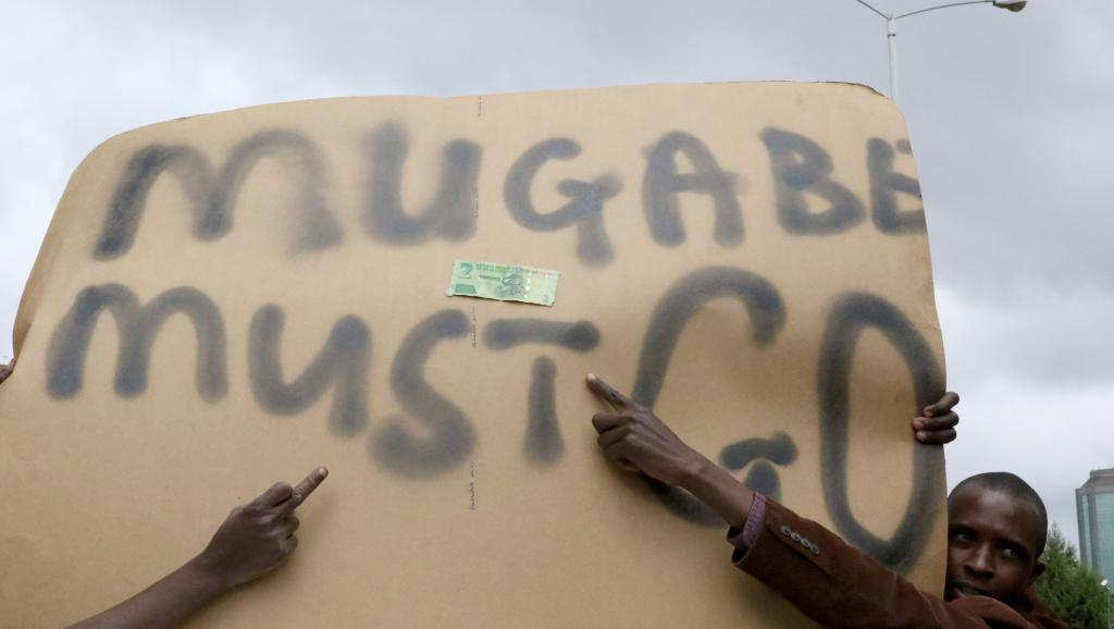 ZIMBABWE : Une journée décisive pour le sort de Robert Mugabe
