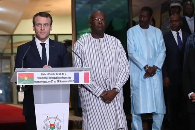 Macron sur l'esclavagisme en Libye : « Qui sont les trafiquants ? Ce sont les Africains, mon ami ! »