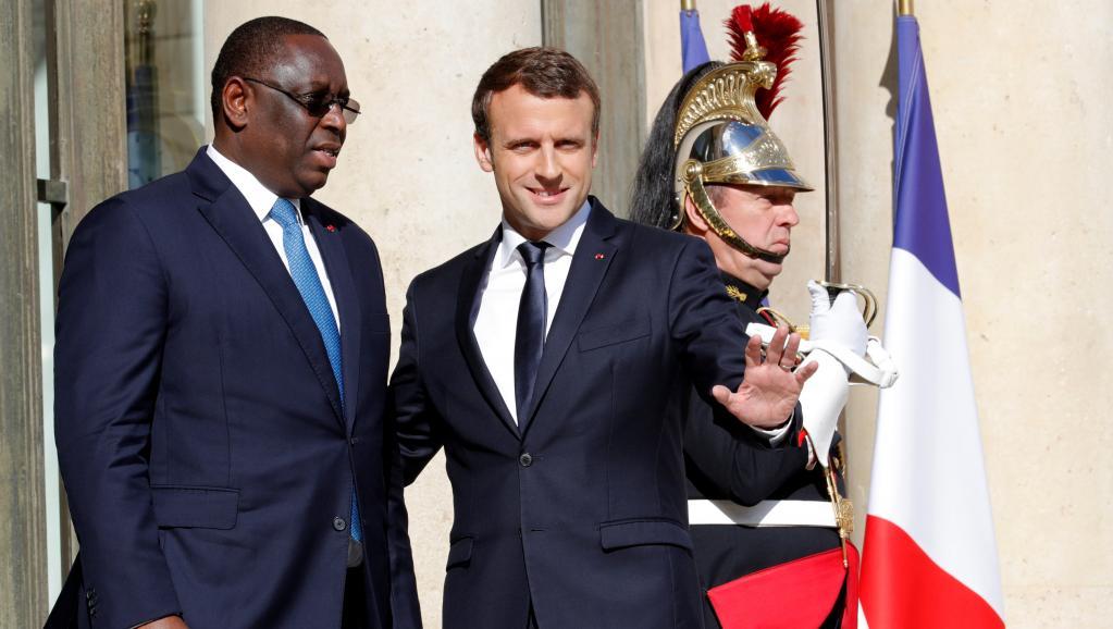 BURKINA FASO : Macron encense Macky Sall