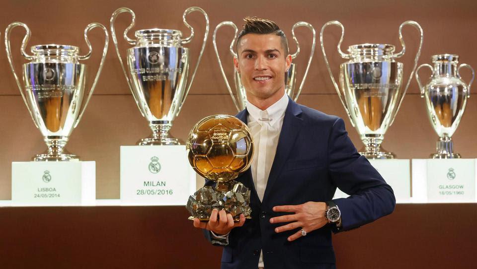 Cristiano Ronaldo remporte son cinquième Ballon d'Or