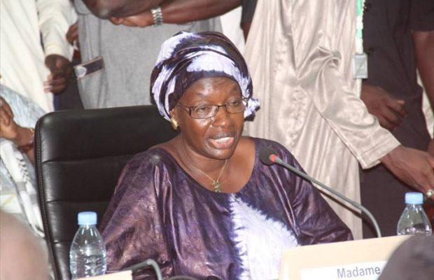 """Seynabou Ndiaye Diakhaté veut un travail """"conçu et coordonné"""" pour combattre la corruption"""
