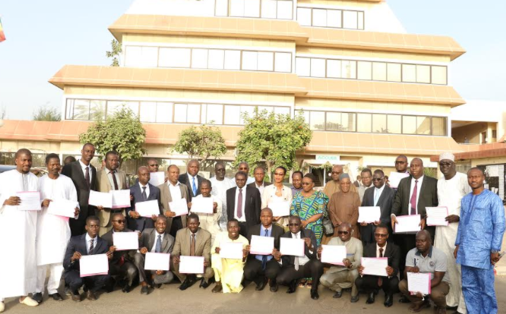 Diplôme D'Expertise Comptable et Financière (DECOFI) : 23 ressortissants de l'UEMOA reçoivent leur attestation de réussite