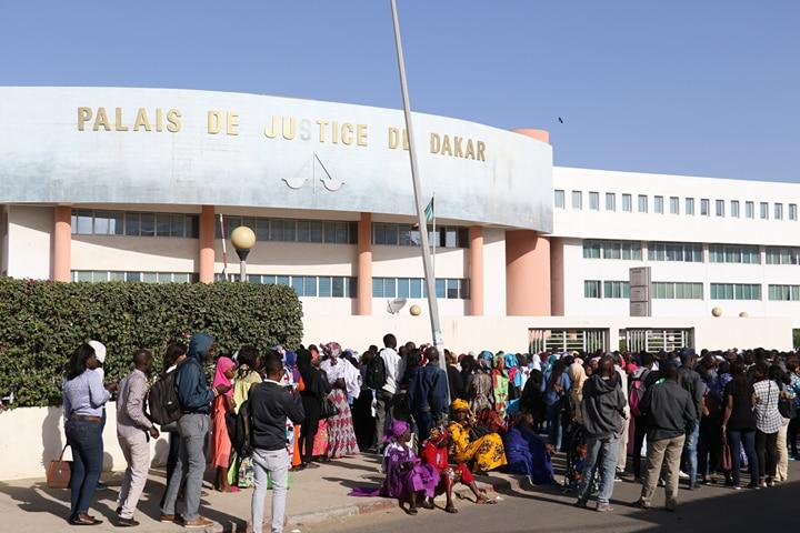 """Le procureur Aly Ciré Ndiaye à Me El Hadji Diouf : """"Vous faites la police de l'audience depuis le début des débats. Taisez-vous, vous parlez trop!"""""""