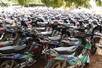 """Kaolack : Des centaines de motos """"Jakarta"""" immobilisées par la municipalité"""