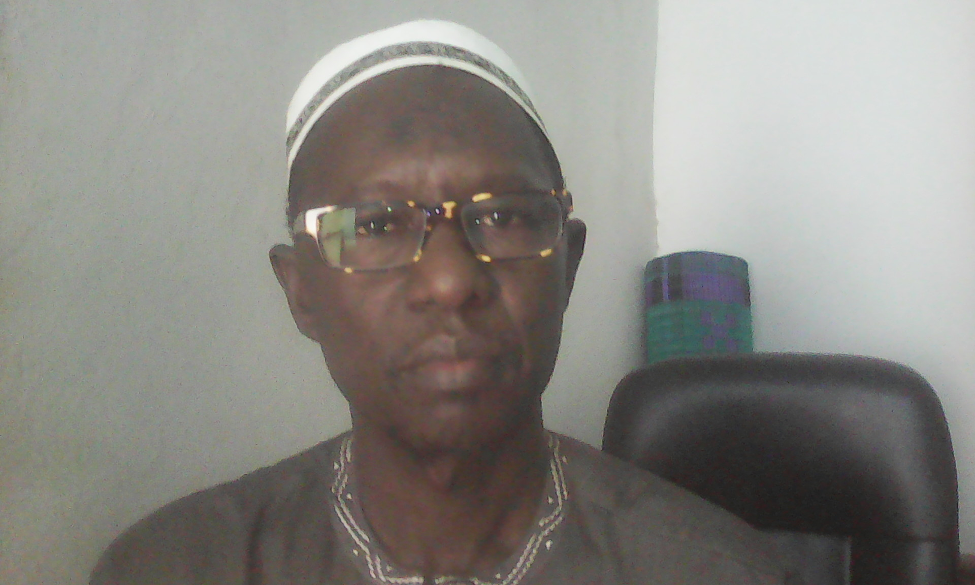 """Cheikh Tall, président de la fédération des organismes privés stockeurs et des transporteurs : """" Après déchargement des graines d'arachide, l'opérateur doit être payé immédiatement. On doit améliorer le système de paiement """""""