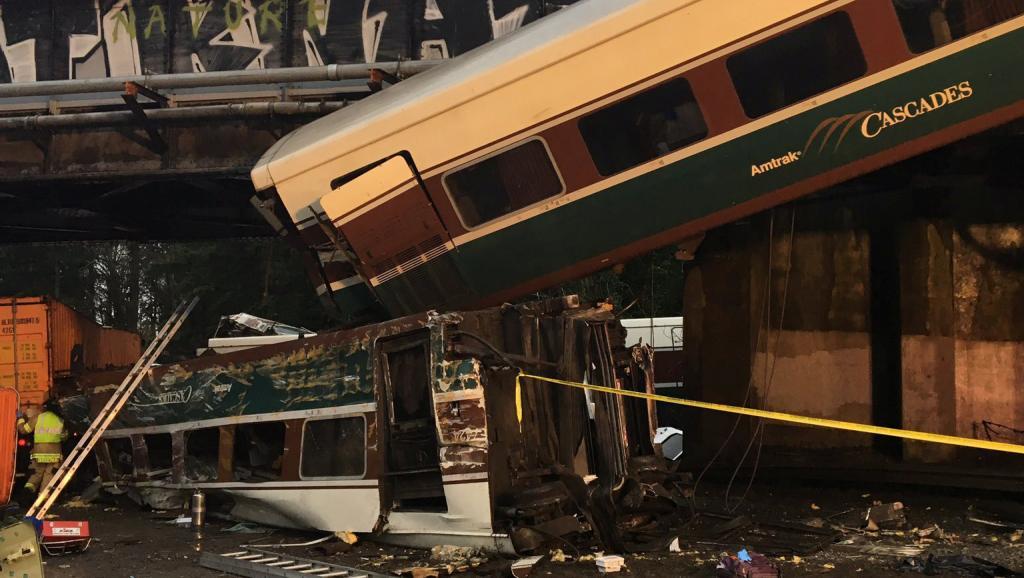 ETATS-UNIS : Le déraillement d'un train fait plusieurs morts près de Seattle
