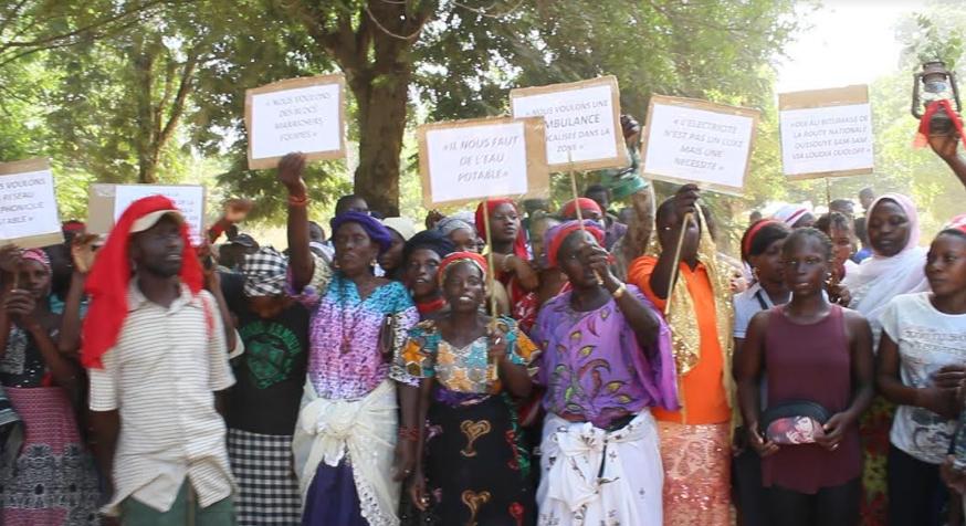 Souffrances dans l'arrondissement de Loudia Wolof : Les populations de 6 villages dans la rue
