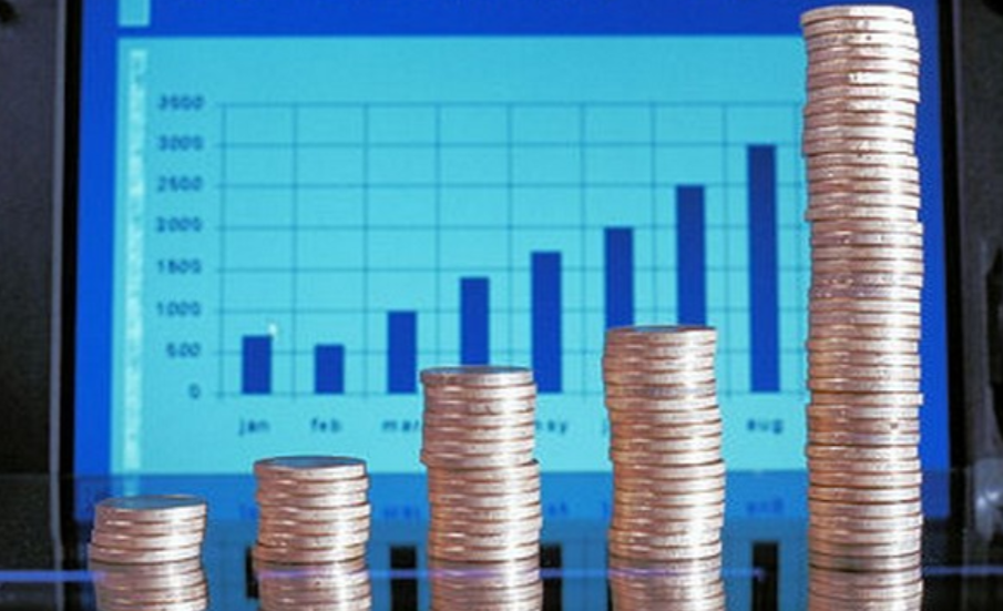 Rétro économie 2017 : le taux de croissance frôle les 7 %, la polémique sur la dette croise sa trajectoire