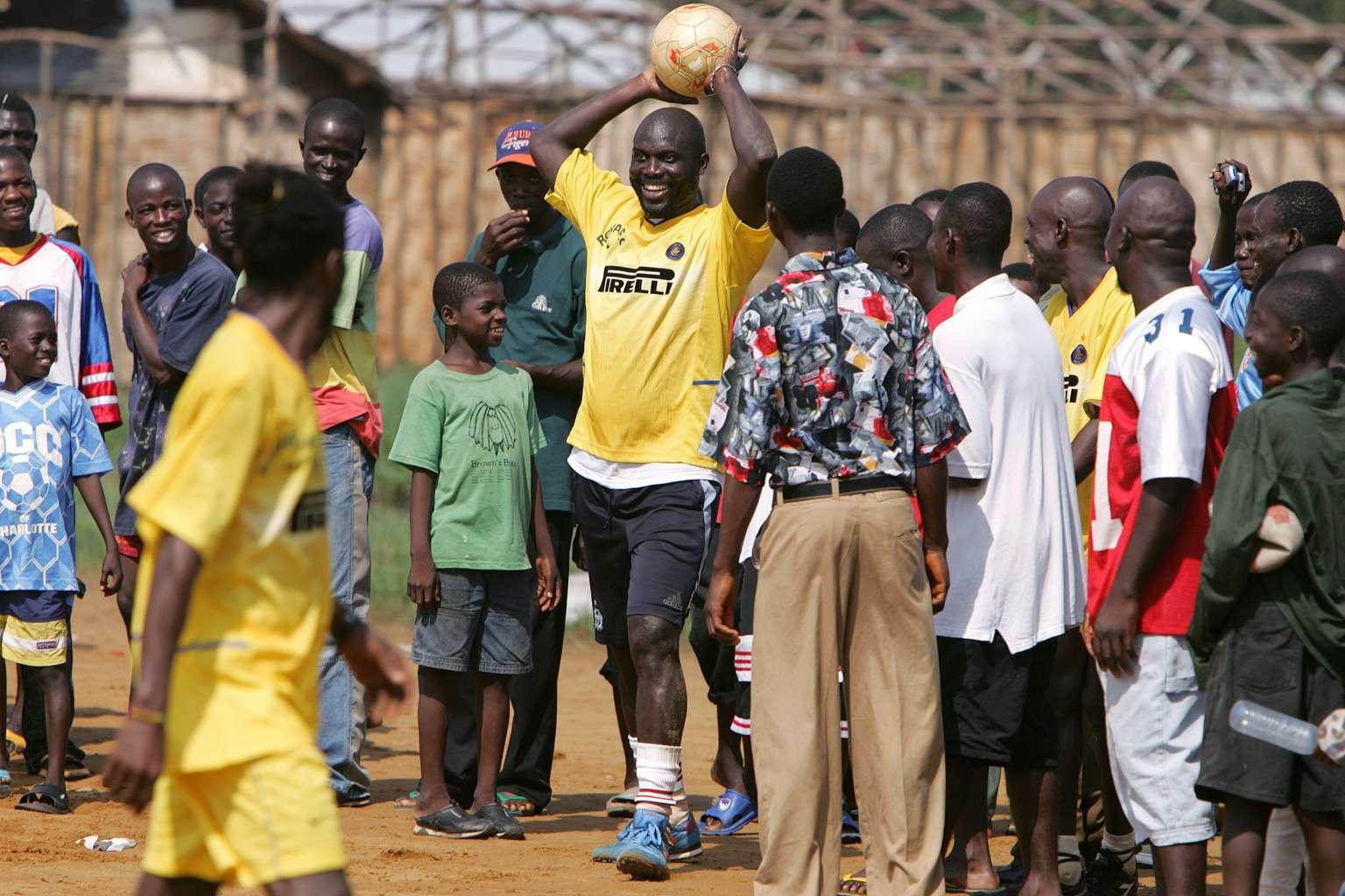George Weah, l'enfant du ghetto devenu président du Liberia