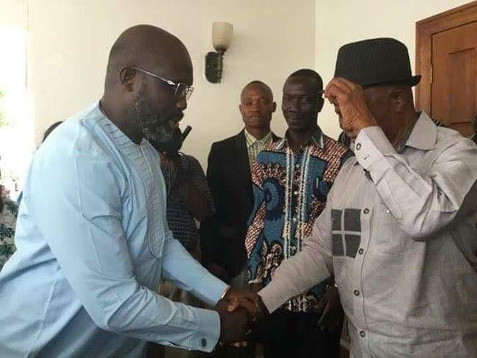 Libéria : George Weah rend visite à Boakai, son rival au second tour