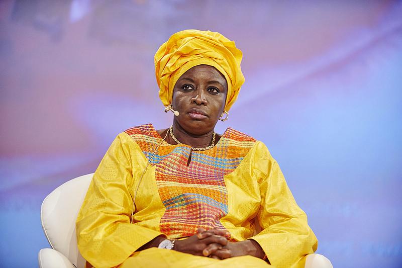 Lancement du Mouvement « Tous Ensemble pour la République » de Alpha Sy / Mimi Touré exhorte les intellectuels à s'engager pour leur pays.