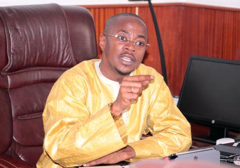 Abdou Mbow sur l'expulsion supposée de Karim Wade : « Le président Madické Niang doit éclairer la lanterne des Sénégalais »