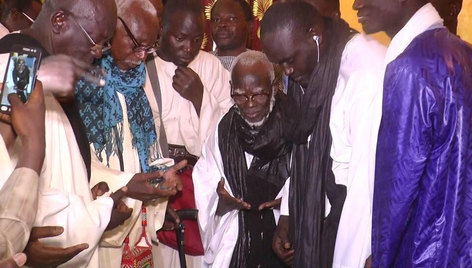 TOUBA- Le Khalife Général des Mourides présente ses condoléances à la famille de Serigne Sidi Mokhtar Mbacké