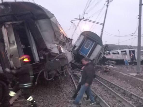 Un train déraille près de Milan : trois morts