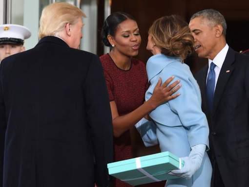 Michelle Obama revient sur la grosse gêne qui a suivi ce geste de Melania