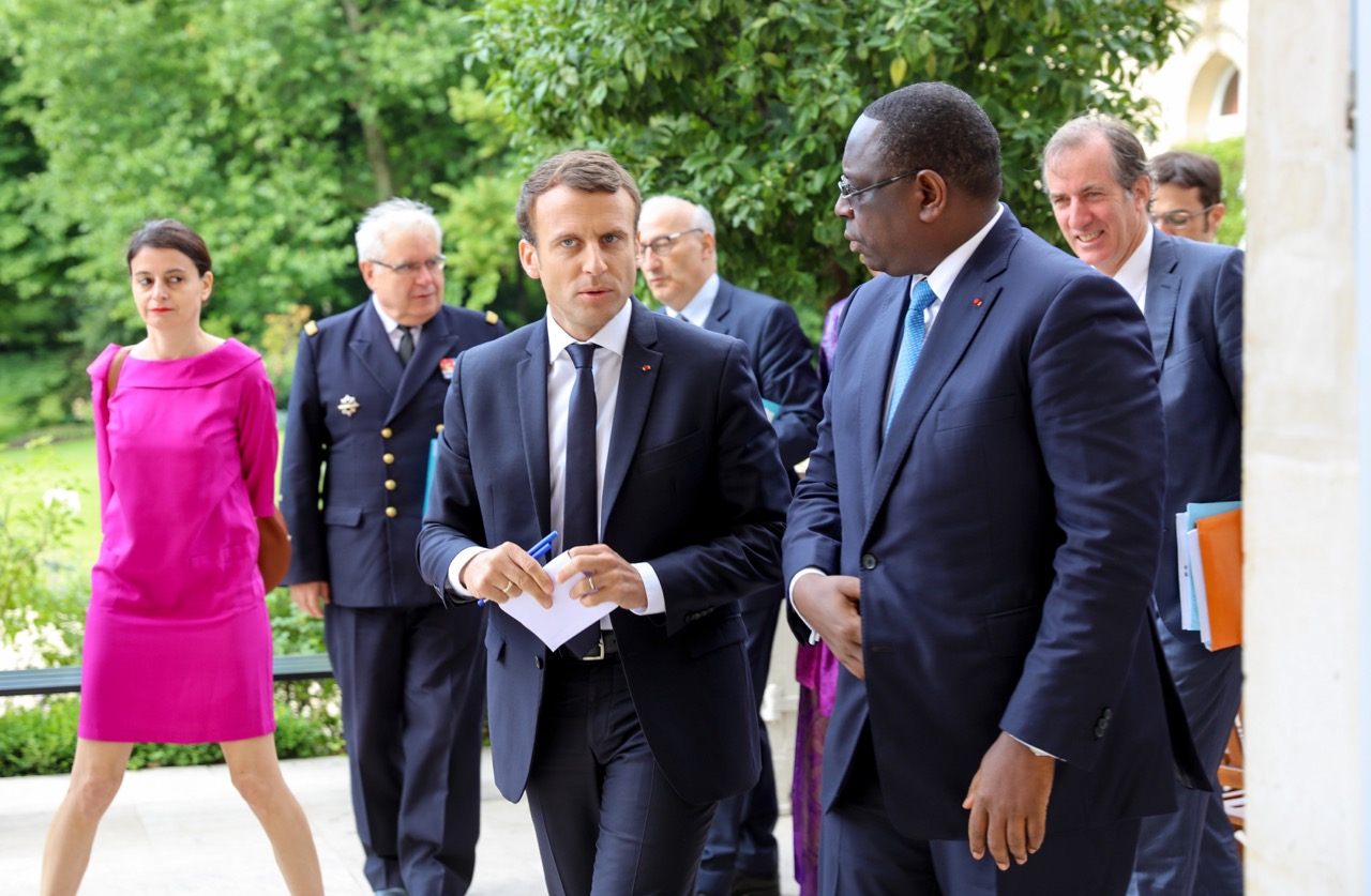 Visite de Macron / Secrets du plan de guerre du Pds : Des rouleaux de tissu rouge achetés, quatre points de combat choisis à Dakar