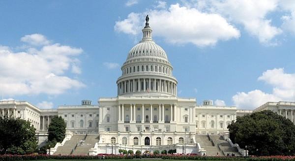 Etats-Unis : le Sénat met fin au « shutdown » fédéral